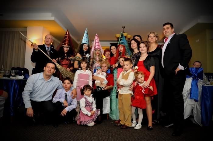 poze restaurant Banil cu familia si ursitoarele