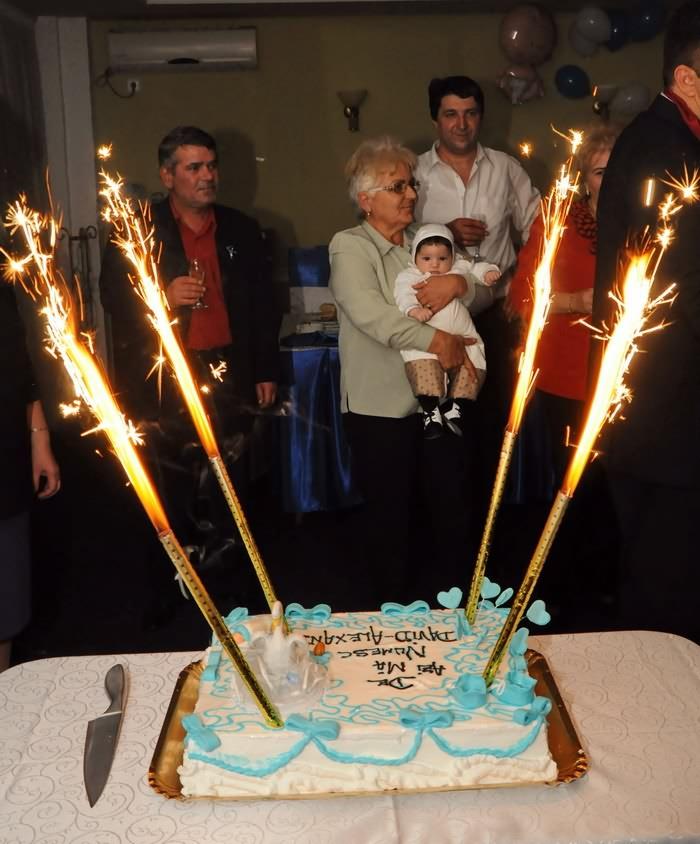 poze tort de botez cu artificii