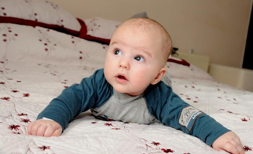 fotograf botez bebe pe burtica
